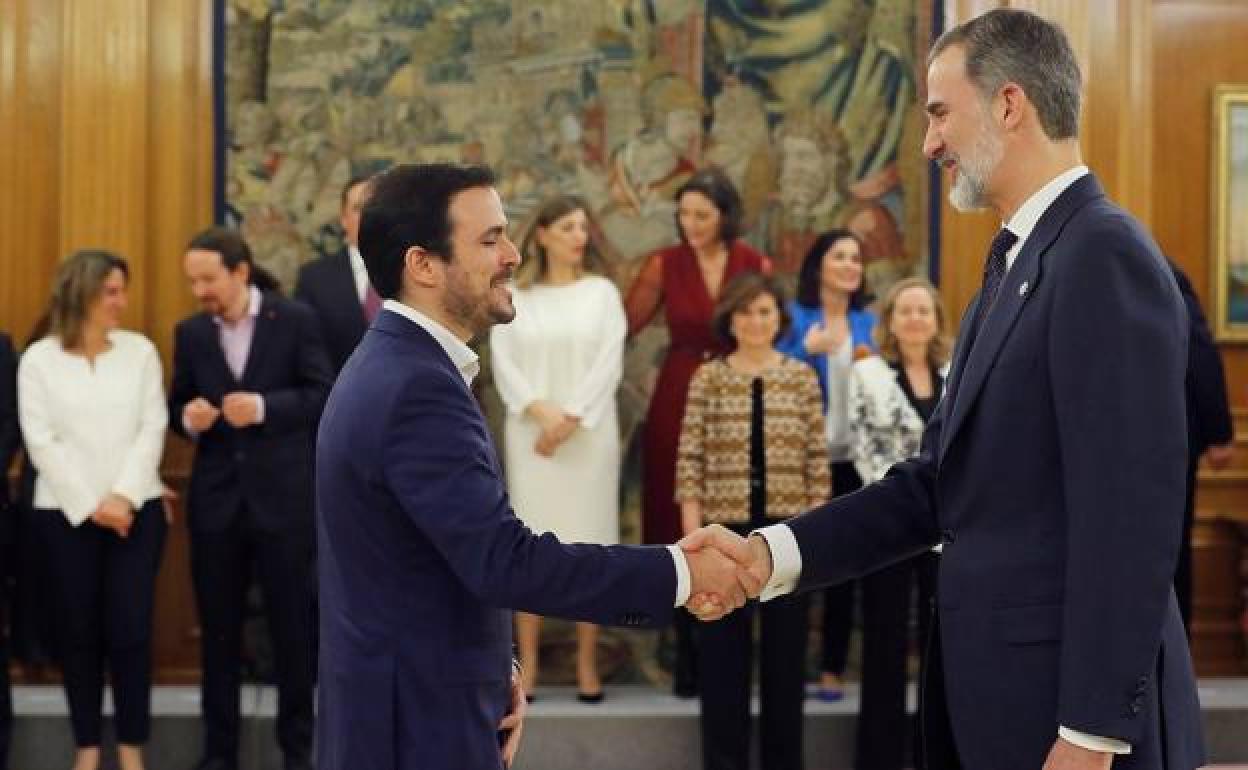 Alberto Garzón es un limpiabotas de los imperialistas